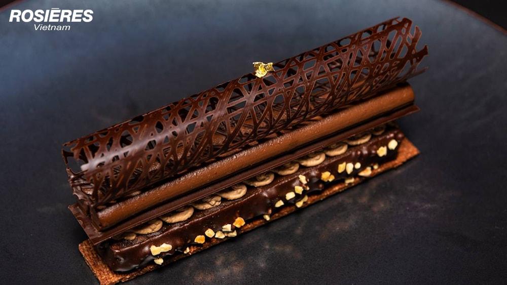 Moelleux craquant au chocolat et crémeux d'Espelette