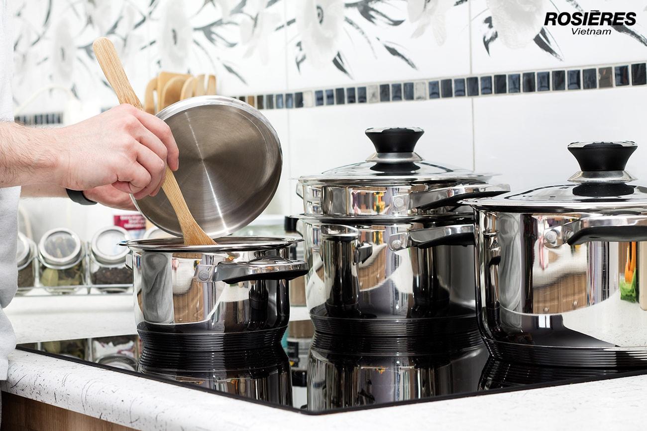 Hướng dẫn cách sử dụng bếp từ an toàn và tiết kiệm