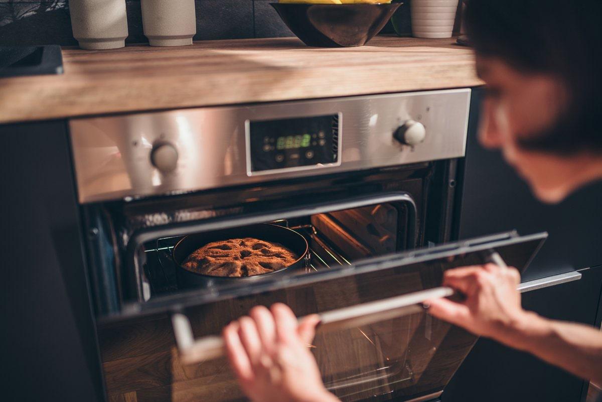 Tại sao nên mua lò nướng đa năng cho gia đình